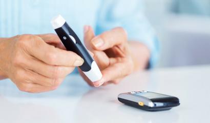 Cuidado com pacientes diabéticos no tratamento odontológico